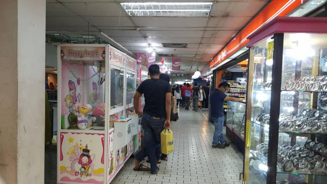 Store Surrounding 4