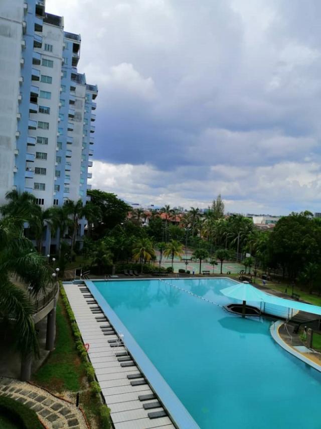 Swimming Pool S